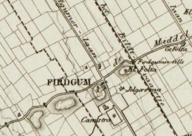 Op een kaart uit de atlas van Eekhoff 1852) worden de bochten in de Hearewei duidelijk afgebeeld. Via de Firdgumer tille kon het Bildtvaartje worden overgestoken. De terp met daarop de boerderij die op deze kaart als Klein Folta wordt aangeduid, wordt op latere kaarten niet meer weergegeven.