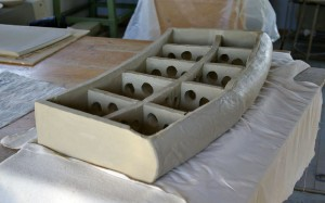 Vorm omgekeerd, mal verwijderd, binnen versteviging, zijkanten en achterkant gemonteerd