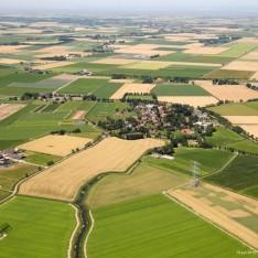 luchtfoto-met-graanvelden