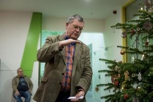 Egge Knol houdt een inleiding bij de opening van de tentoonstelling Pioniers van het Noorden in Museum Wierdenland (december 2017).